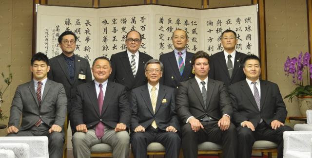 柔道全日本男子代表選手団が、翁...